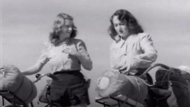 Photo of Wendy Law Suart & Shirley Duncan – 1940´s